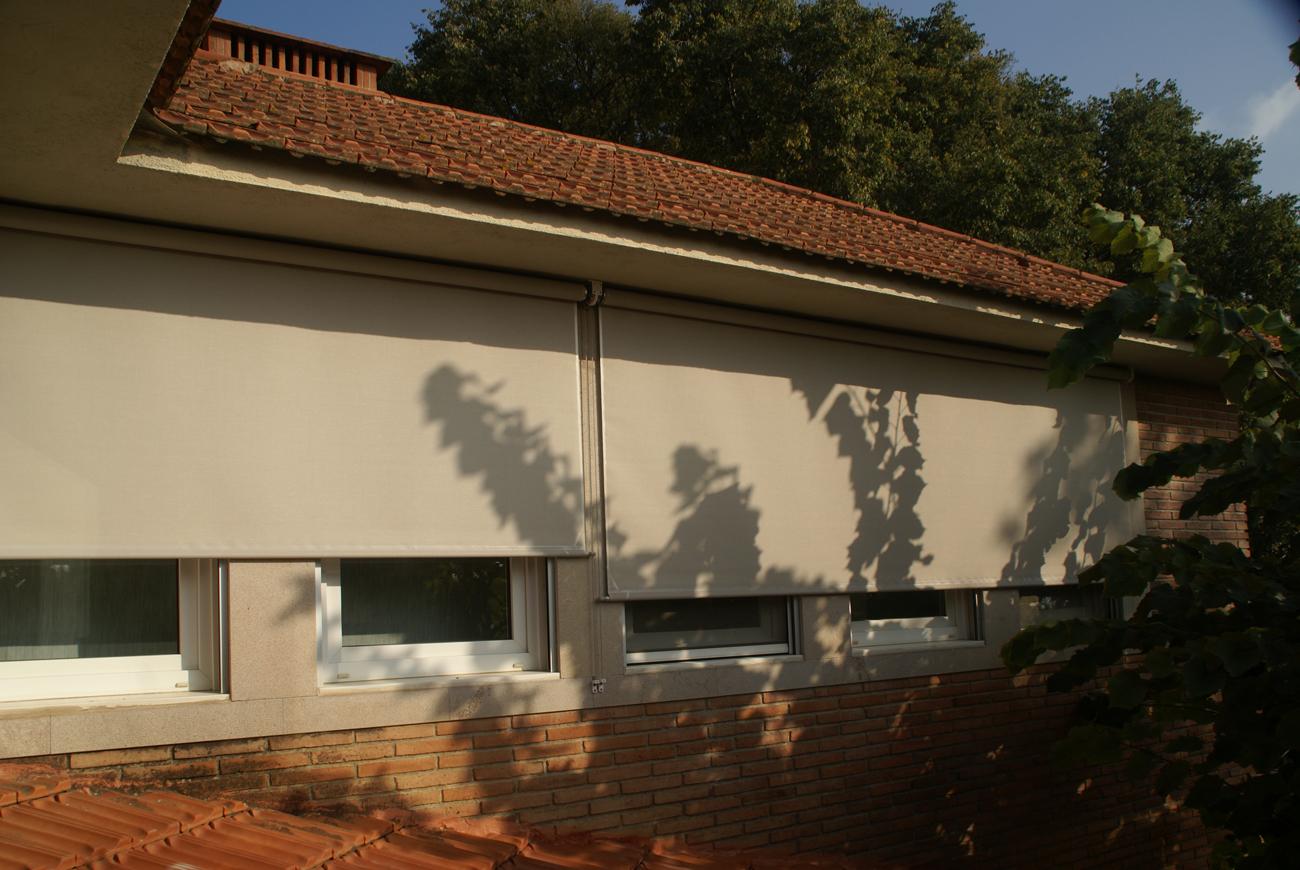 Toldos verticales y cortinas enrollables l ametlla del - Toldos verticales enrollables ...